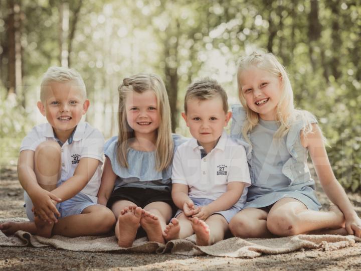 Busig barnfotografering